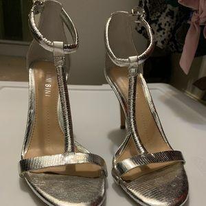 Silver heel size 6